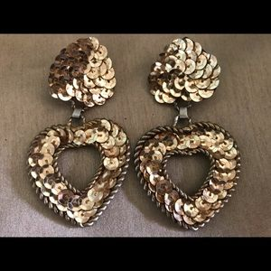 Jewelry - Eye Catching Gold Sequined Earrings!